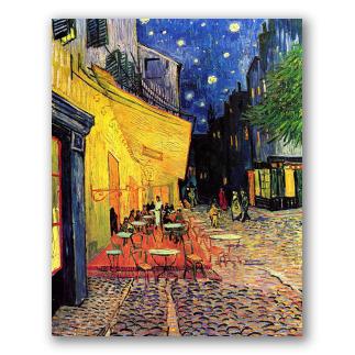 Terraço do Café à Noite